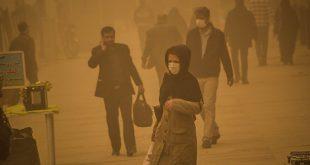 تجمع اعتراضی جمعی از شهروندان اهوازی مقابل استانداری خوزستان با شعار:ابتکار دروغگو استعفا استعفا – فیلم