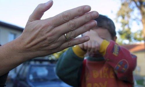 کودک قربانی خشونت